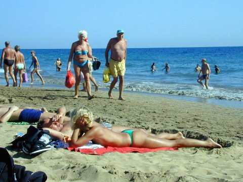 Den sene påsken fører til at flere tar turen utenlands - blant annet til feriefavoritten Gran Canaria og Spania.