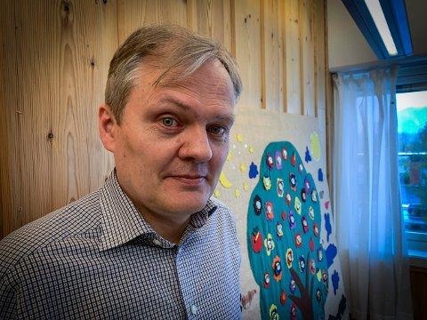 HAR SAGT OPP: Frank Steinsvik har sagt opp jobben som kirkeverge i Rollag. Inntil han finner seg en ny jobb, fortsetter han i Flesberg. Men han ser for seg at han ikke blir lenger enn ut året.
