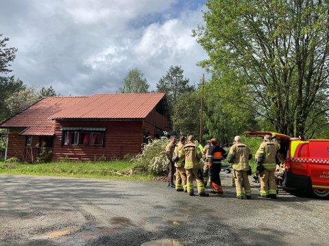LUFTES: Klokken 15.25 ble det meldt om røykutvikling fra en enebolig i Svene. Da brannvesenet ankom stedet viste det seg å være brann i en madrass på soverommet. Brannen ble slukket og boligen luftes ut. Ingen personer kom til skade i brannen.