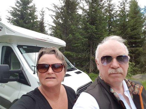 Odd Hestenes (67) og Jorunn Hestenes (58) er misfornøyde med parkeringssystemet ved Fosseparken.