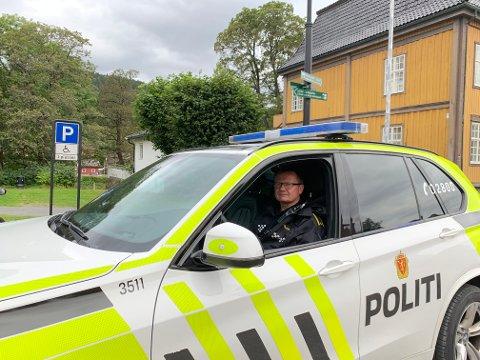 Geir Petter Nedregård ved Kongsberg politistasjon ønsker tips fra publikum. - Om noen har informasjon om saken så ring politiet.