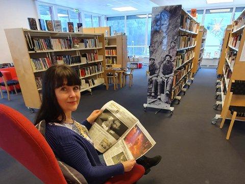 MØTEPLASS: Gunn Vigdis Pedersen fungerer som biblioteksjef på Rødberg. Biblioteket har arrangert flere litteraturkvelder i 2019, men utlånet av bøker har gått ned.