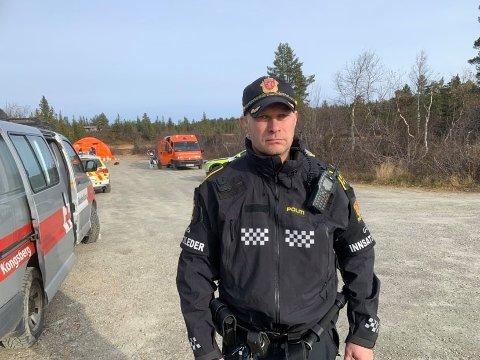 LETEAKSJON: Innsatsleder Tom Richard Jansen i politiet sier at de fortsetter søket med full styrke.