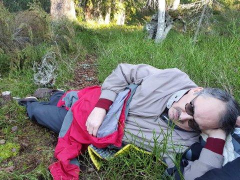 Brakk ryggen: Jan Erik Olsen brakk den ene ryggvirvelen på Skrimfjellet, ved lille Stølevann. Han klarte ikke å reise seg og ble hentet i luftambulanse.