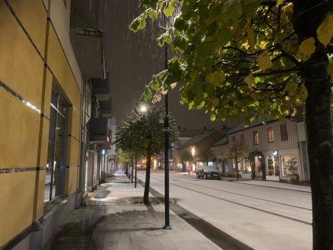 VINTER: En liten forsmak på vinteren tirsdag 20. oktober. Bildet er tatt ved 6-tida.
