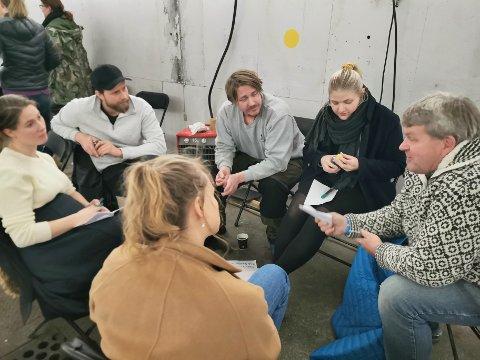 ENGASJEMENT: Det var stort oppmøte og stort engasjement i Lokstallen på Rødberg da Buskerud Næringshage arrangerte workshop med tittelen «Hvorfor flytte til Nore og Uvdal?» onsdag kveld.