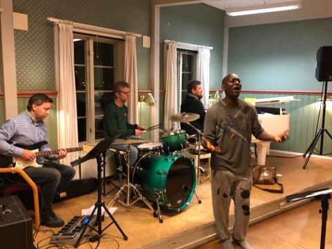 Richard Dahn med musikere øver til gospelnight 3/11