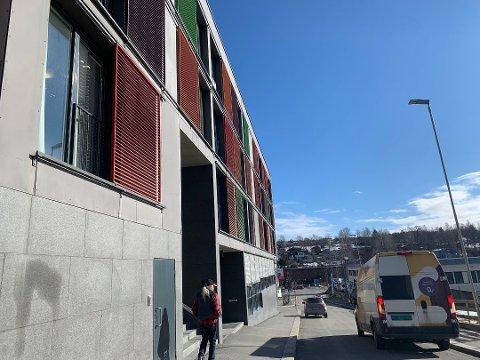 Student-smitte: Seks studenter på USN i Kongsberg har fått påvist koronavirus.  De som deler kjøkken eller bad blir flyttet, og det gjøres flere ting for å forhindre at det sprer seg, opplyser Studentskipnaden. (Arkivbilde)
