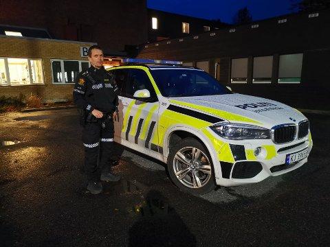 VANSKELIGE LETEFORHOLD: Geir Bodahl, innsatsleder i politiet, forteller om en natt med vanskelige leteforhold.