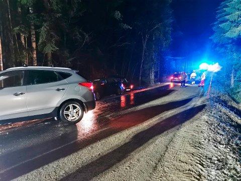 GLATT: Fire biler skled inn i hverandre på Gamleveien onsdag kveld.