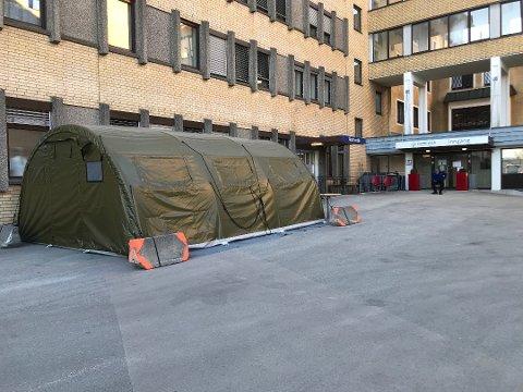EN PASIENT: En pasient er innlagt på Kongsberg sykehus med korona-smitte.