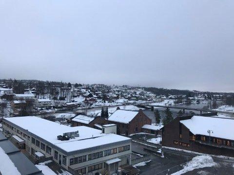 Slik så det ut over Kongsberg rett før åtte tirsdag morgen.