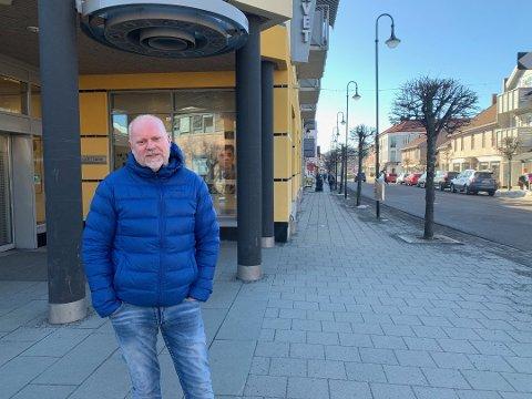 Senterleder Truls Klippen er glad for at flere butikker åpner igjen denne uken.