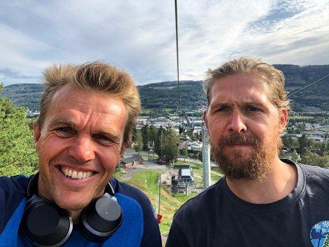 Marius Flaaten (t.v.) er konsernsjef i AS Parks, som nå eier Oslo Vinterpark, Drammen skisenter og Kongsberg skisenter. Her med nestkommanderende i Drammen, Jonas Andresen.