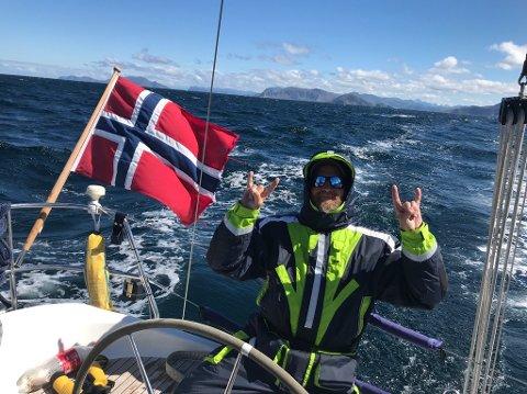 LANGT: Henning Haugerud kjørte hele veien fra Stathelle til Lofoten og ned igjen, og plukket opp familien i Bodø. - Den største utfordringer var elleve dager i to etapper opp til Bodø, for å rekke å komme frem til familien var der.