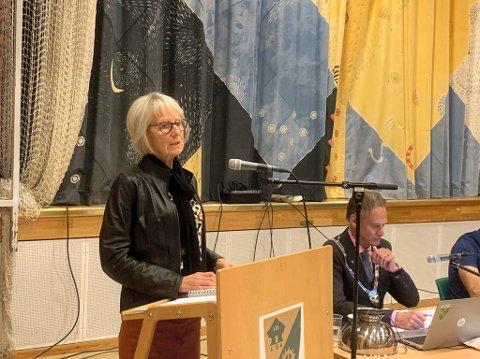 VIL VÆRE RAUS: Aps Kirsten Gjestemoen Hovda fikk med flertallet på å gi eieren av det forurensede vann- og avløpsanlegget på Lomlia en sjanse til.