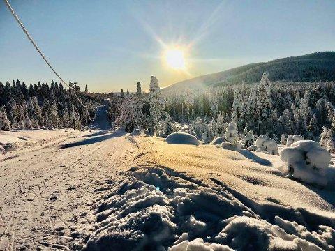 Det er meldt plussgrader de neste dagene, så drømmer du om å gå på ski bør du kanskje komme deg opp i høyden. (Illustrasjonsfoto)