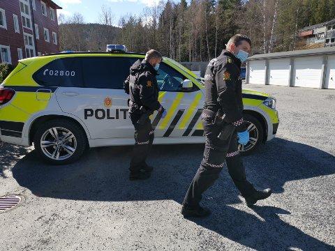 Etterforskes fortsatt: 13. april ble advokat Tor Kjærvik skutt og drept i sitt hjem i Oslo. Samme dag ransaket politiet en privatadresse i Kongsberg, hvor den siktede sønnen har adresse. Saken etterforskes fortsatt av Oslo-politiet.