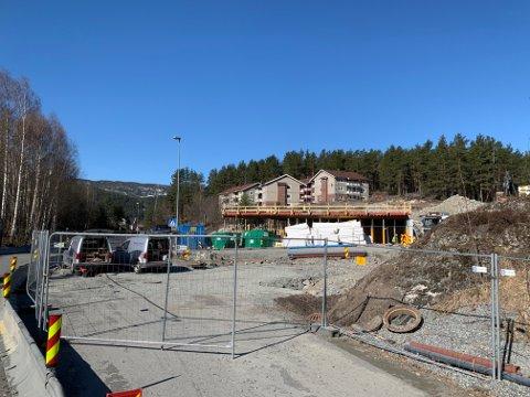 UNGDOMSHJEM: Byggingen av det nye ungdomshjemmet har kommet godt på vei. Mandag blir det grunnstein-nedleggelse.