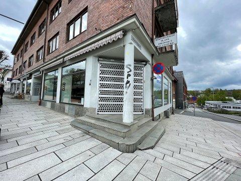 TOMT: Lokalene i Storgata 8 har stått tomme etter at Classique la ned driften januar 2020.