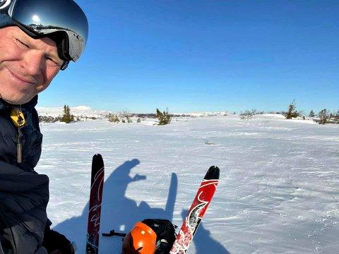 FORNØYD: Kjetil Larsen på Vegglifjell var strålende fornøyd med vårdagen på vinterfjellet.