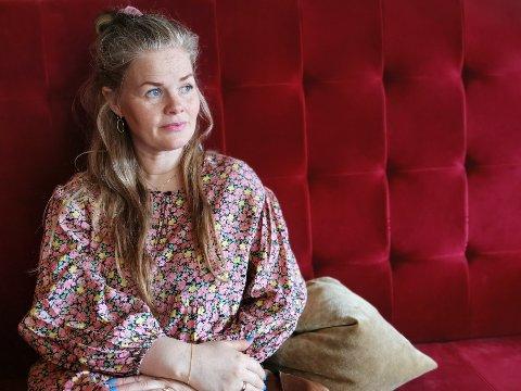 GRAVID: Vibeke Ødegaard Lillevik er førstegangsgravid, og skal dermed vente med å vaksinere seg til etter fødsel. Hun har savnet en klar anbefaling fra FHI om vaksinasjon av gravide.