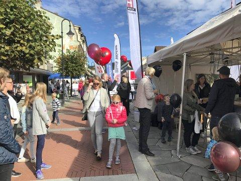 MÅ AVLYSE: I 2018 kom mange til gågata for å få råd og vink under boligdagen. Nå er arrangementet korona-avlyst.