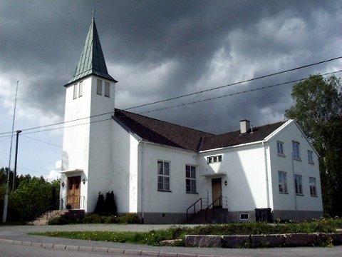 TID FOR KONFIRMASJON: Lierskogen kirke er én av tre kirker hvor det blir avholdt konfirmantgudstjenester i helgen.
