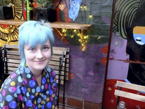 NY ROMAN: Kristine Oseth Gustavsen (28) er klar med sin fjerde roman. Nå gjenstår bare å finne en ny forlegger.