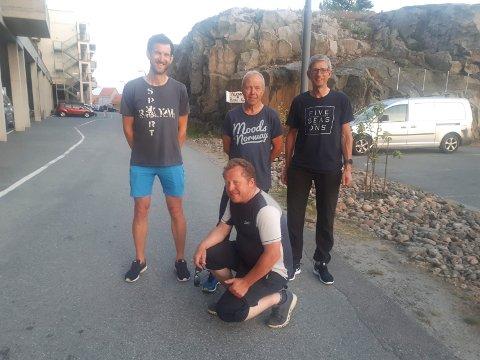 Redningsmannen i sør: Henrik Aasland (foran) sørget for at Petter Justad, Nils Haugen og Rolf Berg slapp å sykle tilbake til Lier, etter at de lørdag kom i mål på Lindesnes.