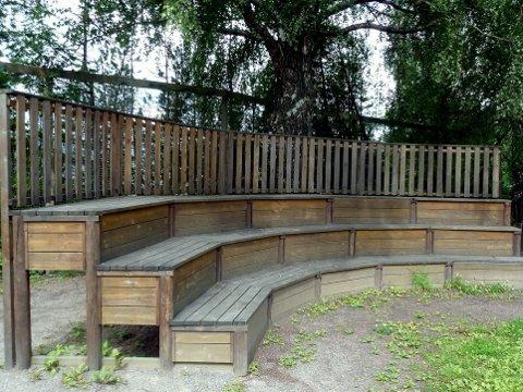 Sist uke: Bildet viste tribunene i skolegården på Nordal skole.