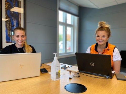 SMITTESPORERE: Martine Fosse Linderman (t.v.) og Trine Olafsen jobber fulltid som smittesporere.