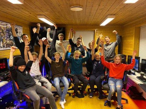 Glad gjeng: Lier ILs e-sportgruppe jublet da de fikk beskjed om at de får årets kulturpris.