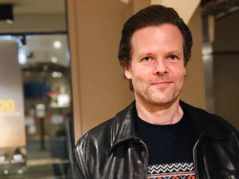 Dro fram kammen: Regissør Pål Erik Gulliksrud dro kammen ut av lomma for å fikse på sleiken før dette bildet ble tatt.