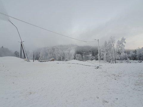 Finn frem utstyret: Nå er det på tide å dra frem skiene, og gjøre seg klar til sesongstart. Til helgen blir det mulig å gå på ski i området rundt Martinsløkka.