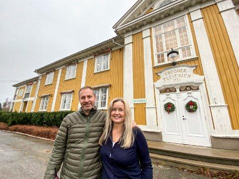 Nyinnflyttet: Ekteparet Richard Skaar Thorsrud og Synnøve Thorsrud er henholdsvis administrerende direktør i Skaar Omsorg AS og bestyrer på Villa Skaar Frogner. Nå gleder de seg over at dette blir første julefiring i nyoppusset sykehjem.
