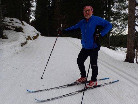 IVRIG: Øivind Wiik (74) fra Drammen legger mange av skiturene sine  i Lier kommunes løypenett mellom Eggevollen og Svarthavna. På mandag ble skitur nummer 72 denne sesongen gjennomført