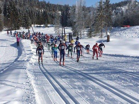 Det så lenge mørkt ut for årets utgave av Ulveløpet, men  med påfyll av snø er det nå klart for den 63. utgaven av rennet, lørdag 14. mars. Her fra starten i 2018