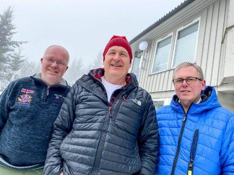 Ordnet kompisnett: Trekløveret fra Øverskogen, f.v. Gisle Finsveen, Knut Fuglerud og Hans Olaf Heslien, var blant de første som testet ut kompisnettet. Nå kan de bli del av pilotprosjekt for bredbånd.