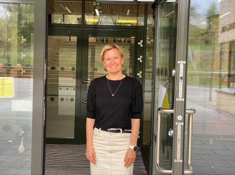 Slutter: Unn Wahl Karlsen har sagt opp jobben som rektor på Hegg skole. I slutten av november har hun sin siste arbeidsdag på Hegg.
