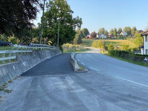 Nyasfaltert: Gang- og sykkelveien på Egge har blitt utbedret med ny asfalt.