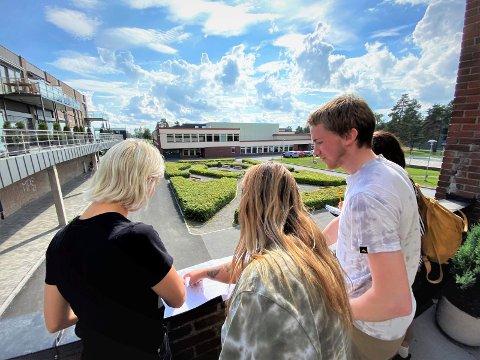 Har startet: Studentene har alt startet kartleggingen av Tranby. Blant annet skal de snakke med folk som bor i området om hva de ønsker av en stedsutvikling.