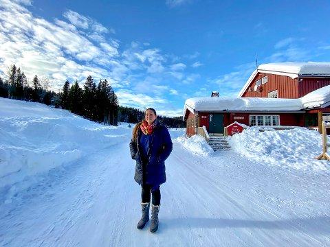 Klar for å åpne dørene: Monica Myhre-Svendsberget gleder seg til å kunne ønske folk velkommen til Eiksetra hver lørdag og søndag framover.