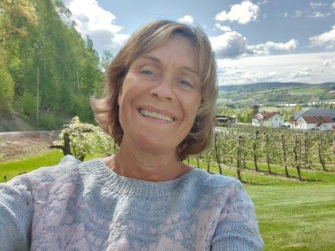Smått og lokalt: Sigrid Hellum er kundevalgt i Gjensidigestiftelsen som nå skal dele ut mange millioner til sommeraktiviteter for barn og unge. I år oppfordrer hun  friville lag og foreninger til å tenke mindre og lokale tiltak.