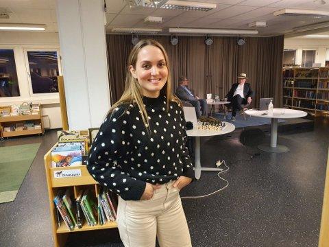Suksess med enkle midler: Lier bibliotek har stor suksess med digitale arrangementer. Der andre har valgt å avlyse, har Katarina Friis Stensland og resten av gjengen bygget opp et enkelt og vellykket konsept.