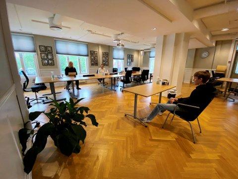 Intervjupress: Ungdommene fikk brynet seg på intervjusituasjonen da de søkte på SFO-jobber. Her er det Brage Tønder Sangolt som sitter i intervjustolen.