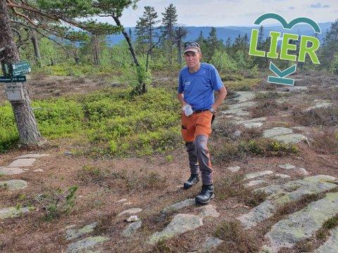 Ukjent perle: Knausen slår både Storsteinsfjell og Skimten ned i støvlene når det gjelder høyde. Med sine 610 meter over havet er Knasusen en av de høyeste toppene i Lier. Erik Brenden mener toppen er sentral for mange fine fotturer i Finnemarka.