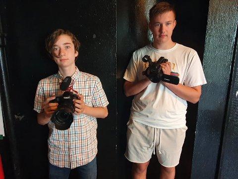 Skummelt og mystisk: Tranbyguttene Karl Kristian Hansen og Markuss Daniels stortrivdes med å lage skumle og mystiske filmer på filmcampen til V2.