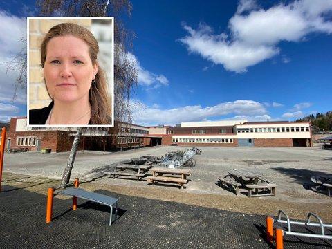 Bekymringsmeldinger: Kommuneoverlege Ingrid Bjerring har i samråd med rektor besluttet at tiende trinn skal ha hjemmeskole den kommende uka, for å få kontroll på smitten.