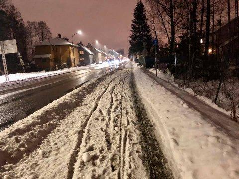 Sykkelslapsefelt: Dette bildet av sykkelfeltet i Storgata i Lillestrøm tok Håvard Ramstad tidligere denne uka. – Det er utrygt for mindre erfarne syklister, sier han.